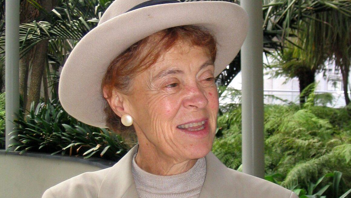 Moral Dilemmas in the light of Rosalind Hursthouse's Virtue Ethics